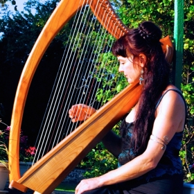 LAWENA_celtic_harp_songs